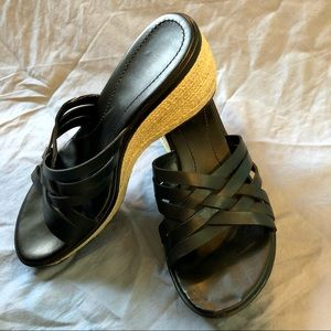 Dockers black rope soled wedge sandals size 7